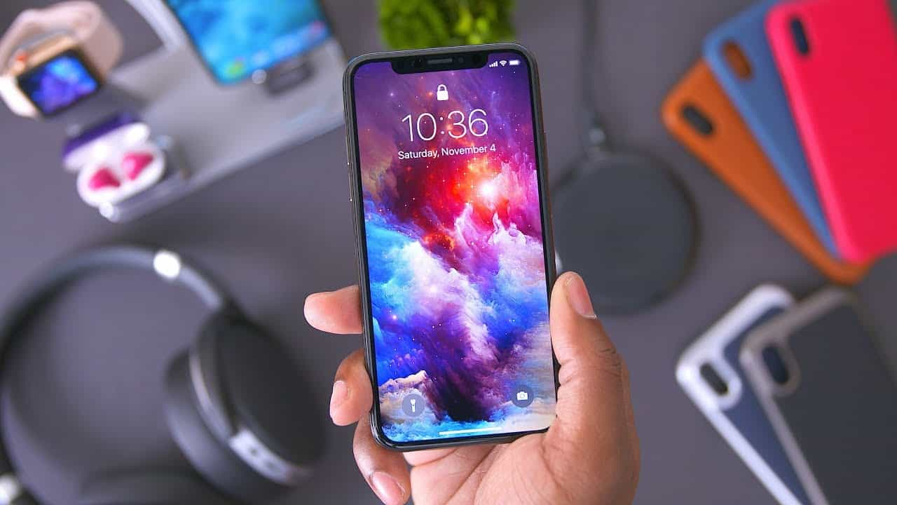 reputable site e9f79 63235 Top 6 iPhone X Accessories That Every Apple Fans Need